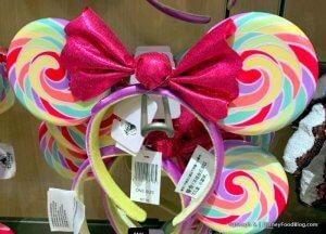 ein Paar Minnie-Maus-Ohren im Lollipop-Design