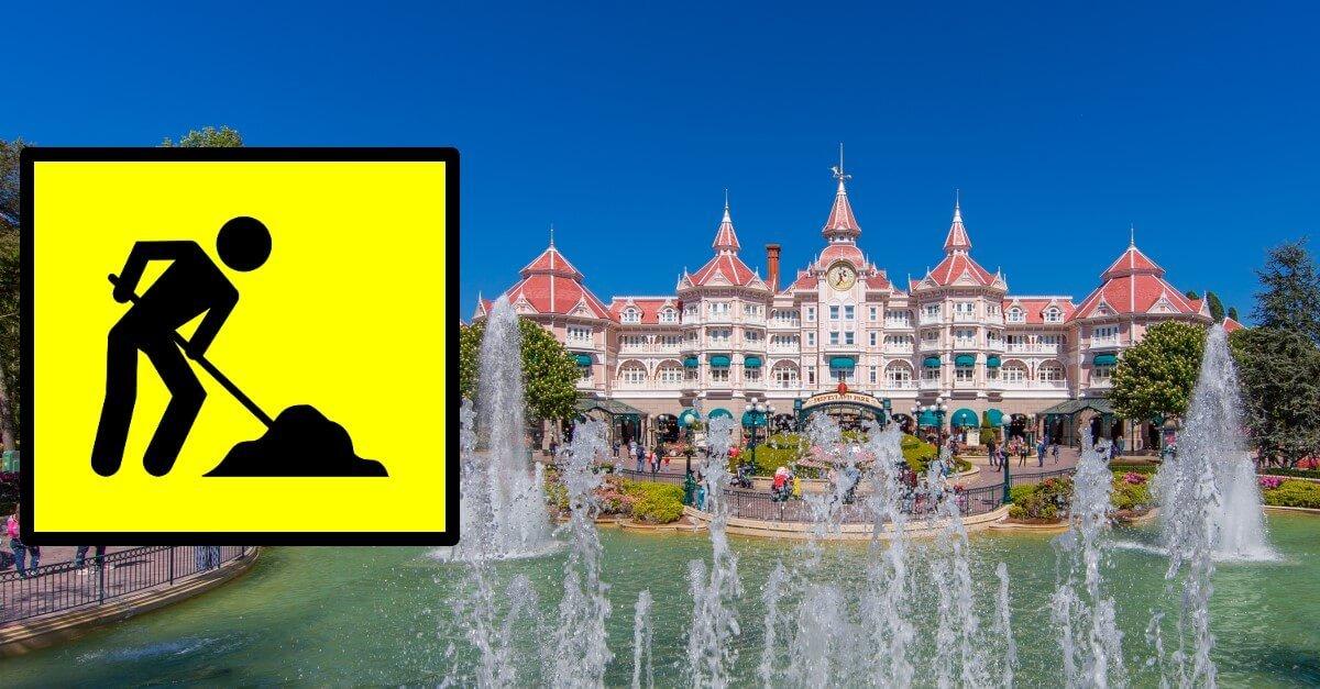 Disneyland Hotel, davor Fontänen in Fantasia Gardens