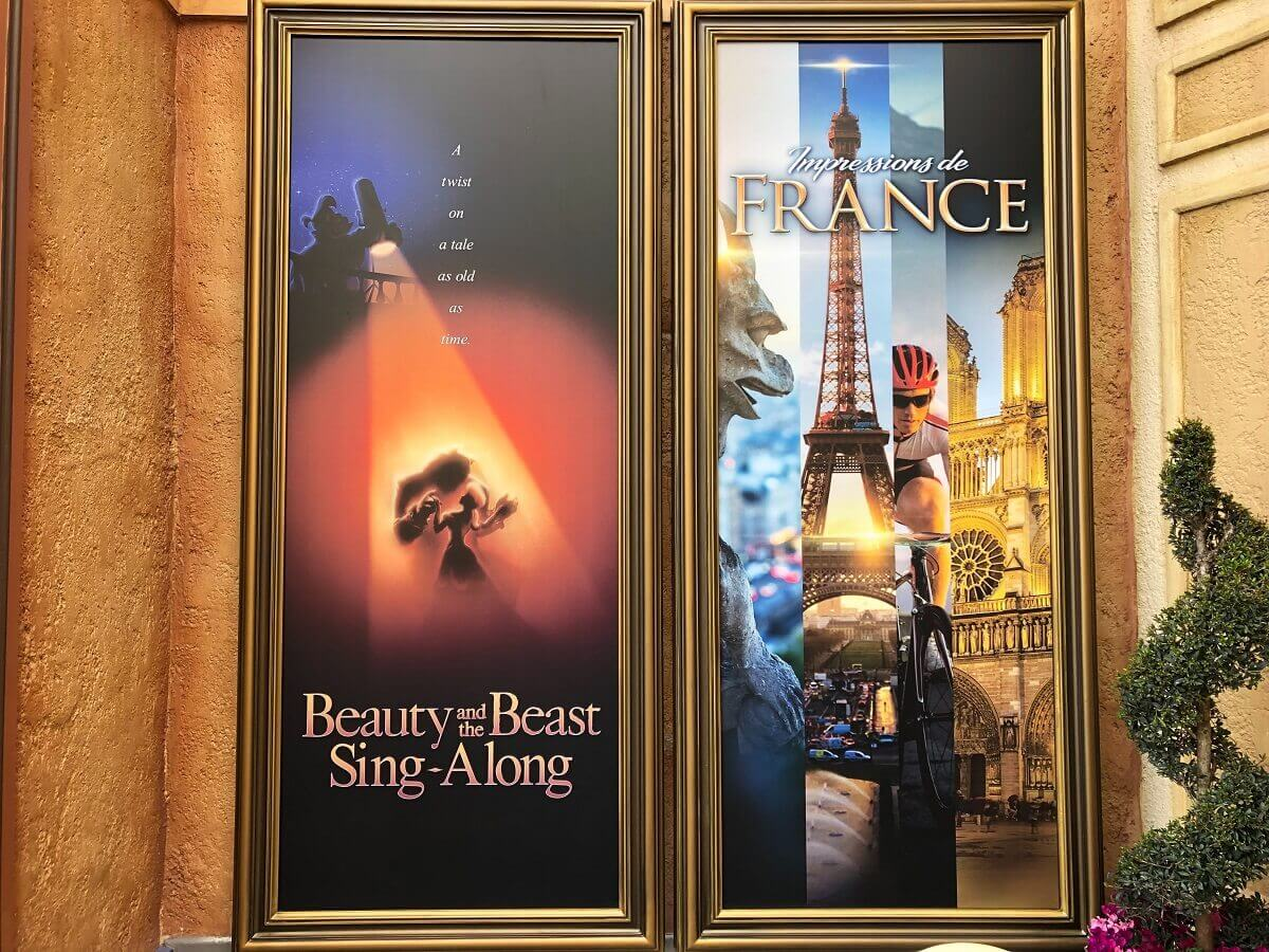 """Zwei Poster zu """"Beauty and the Beast Sing-Along"""" und """"Impressions de France"""" im Frankreich-Pavillon in Epcot"""