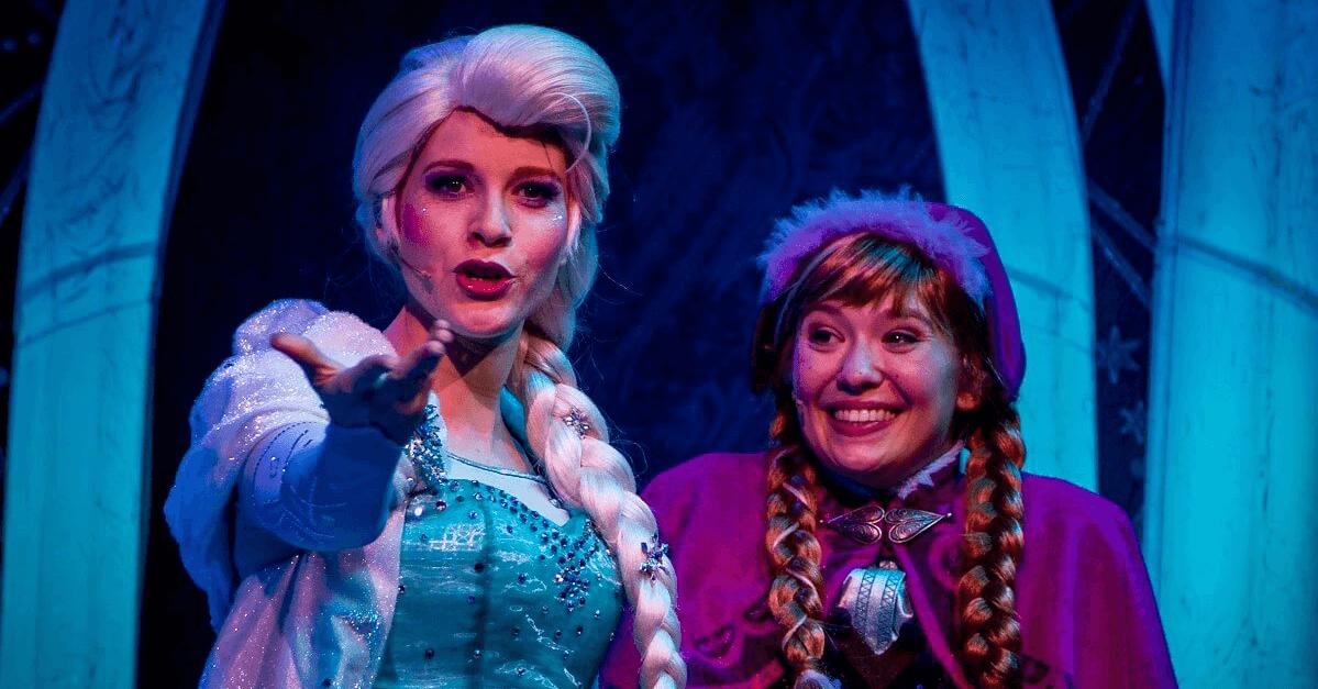 Elsa und Anna im Eispalast