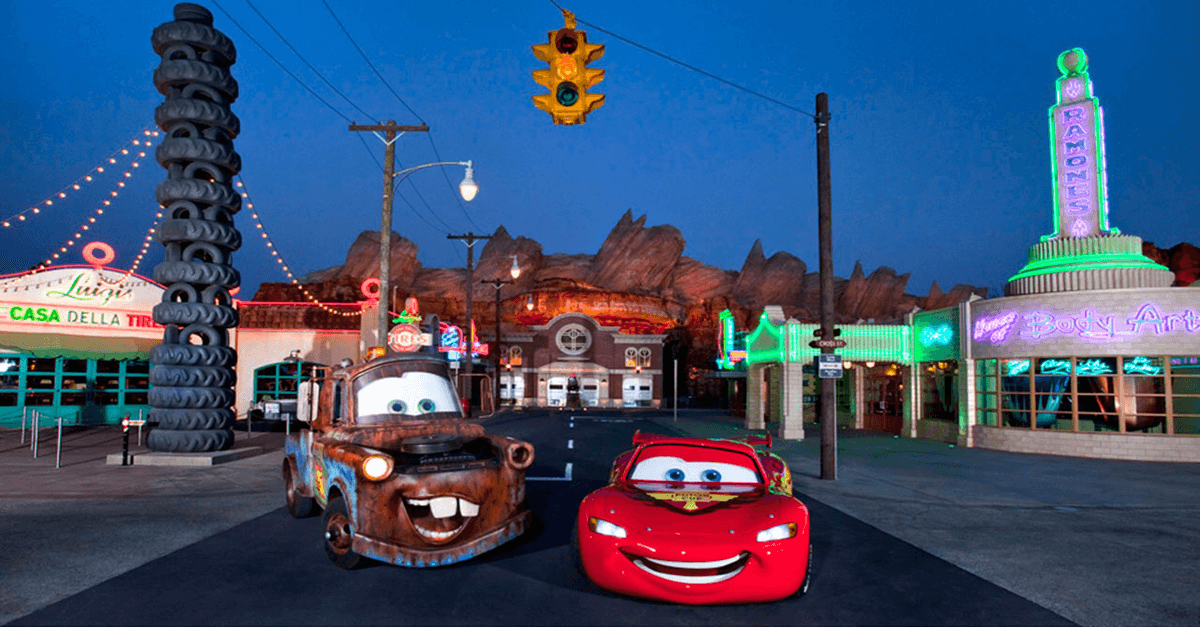 Cars Land in California Adventure mit Lightning McQueen und Mater