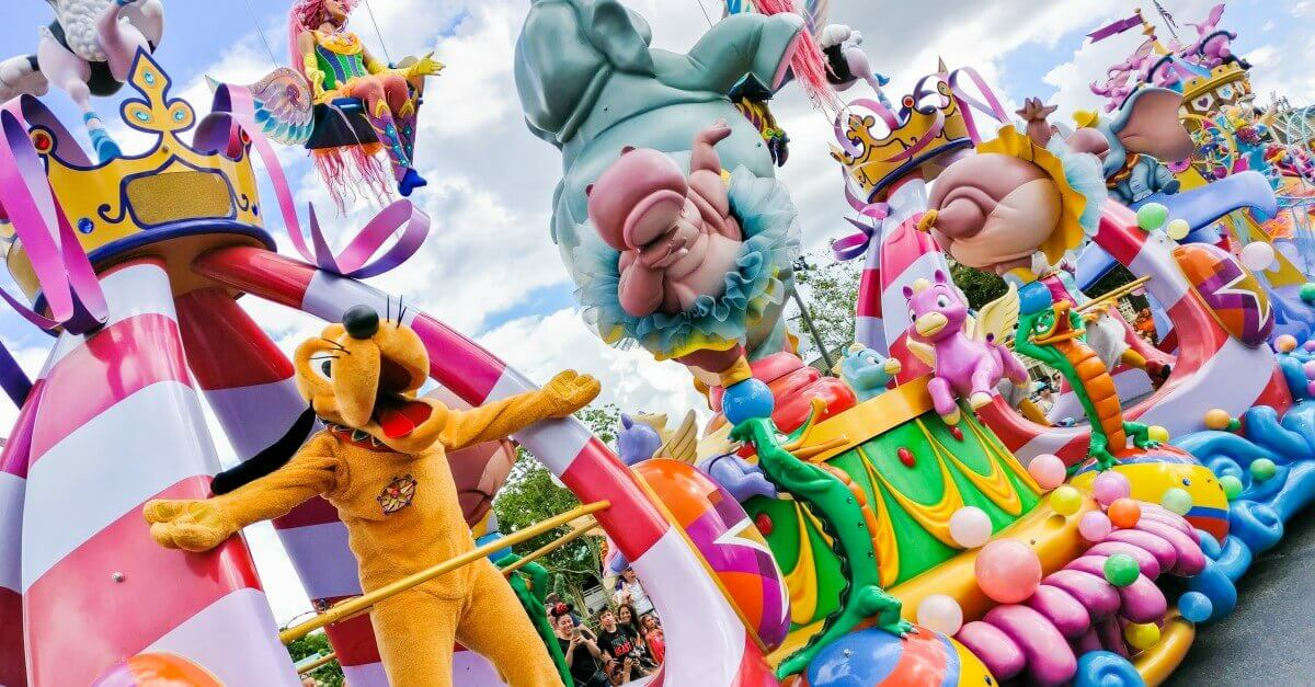 Festival of Fantasy Parade mit Pluto im Magic Kingdom