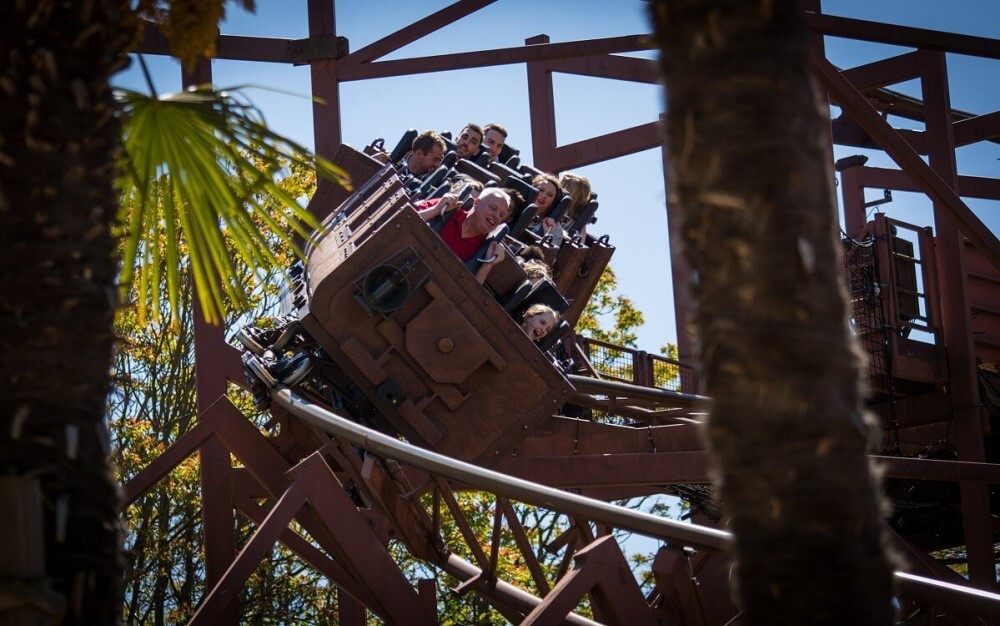 Wagen der Indiana Jones-Achterbahn in Disneyland Paris