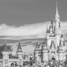 Schlechte Analysten-Prognosen, gestoppte Gehaltszahlungen - zur aktuellen Lage der Walt Disney Company