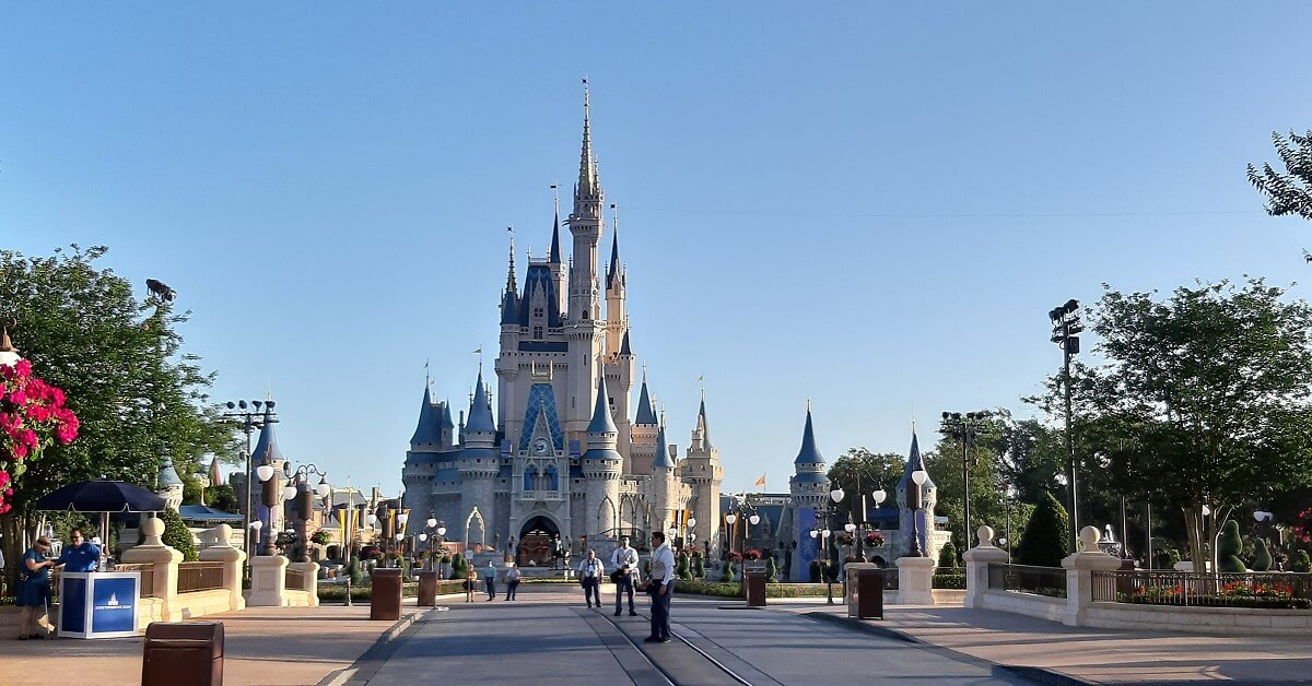 Cinderella Castle in einem leeren Magic Kingdom