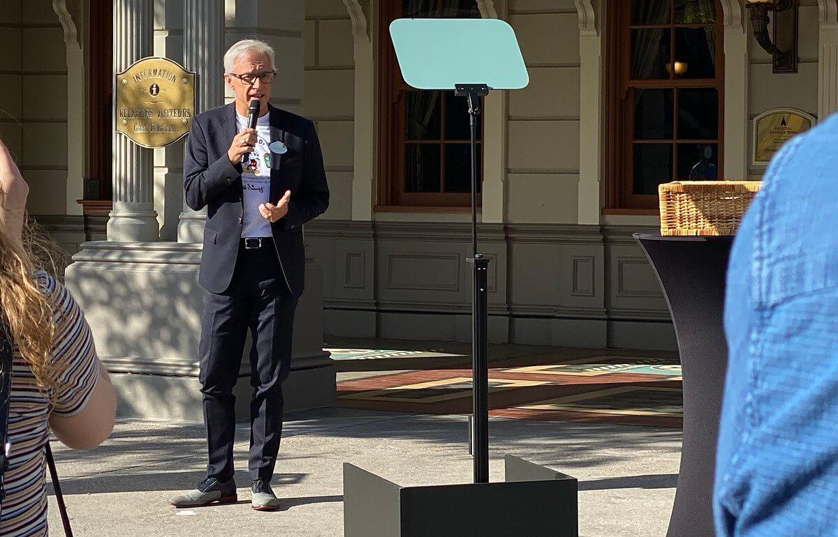 Daniel Delcourt erklärt die Maßnahmen des Disneyland Paris im Detail
