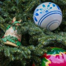 Weihnachtsdekoration in einem Weihnachtsbaum