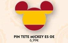 Auf einer Infografik sind fünf Disney Pins in Form von Mickeys Kopf und mit unterschiedlichen Flaggen europäischer Länder zu sehen