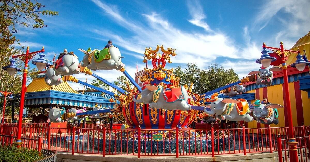"""Die Attraktion """"Dumbo the Flying Elephant"""" im Magic Kingdom in Walt Disney World."""