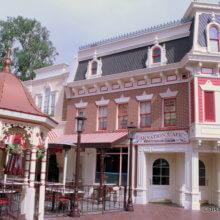 Fassade des Carnation Cafés in Disneyland Anaheim