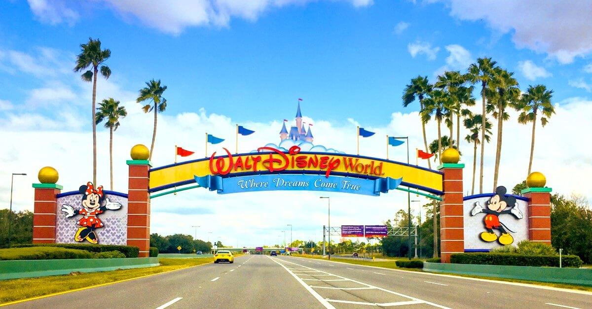 Die Einfahrt zu Walt Disney World