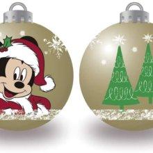 Mickey und Tannenbäume auf einer Weihnachtskugel