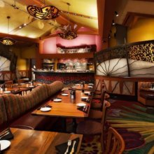 Blick in das Innere des Kona Café im Polynesian Village Resort in Walt Disney World