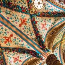 Die prunkvollen Decken in der Schlossboutique