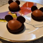Disney-Rezept: Mickey Mousse Domes aus dem Chef Mickey's