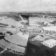 Luftaufnahme eines typischen Industrieparks für das Walt Disney World-Areal in Schwarz-Weiß