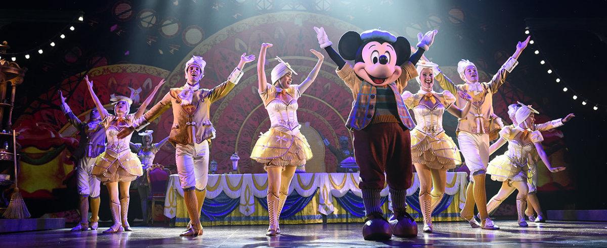 """Mickey and the Magician - Szene mit Mickey und Tänzern zum Song """"Be your guest"""""""