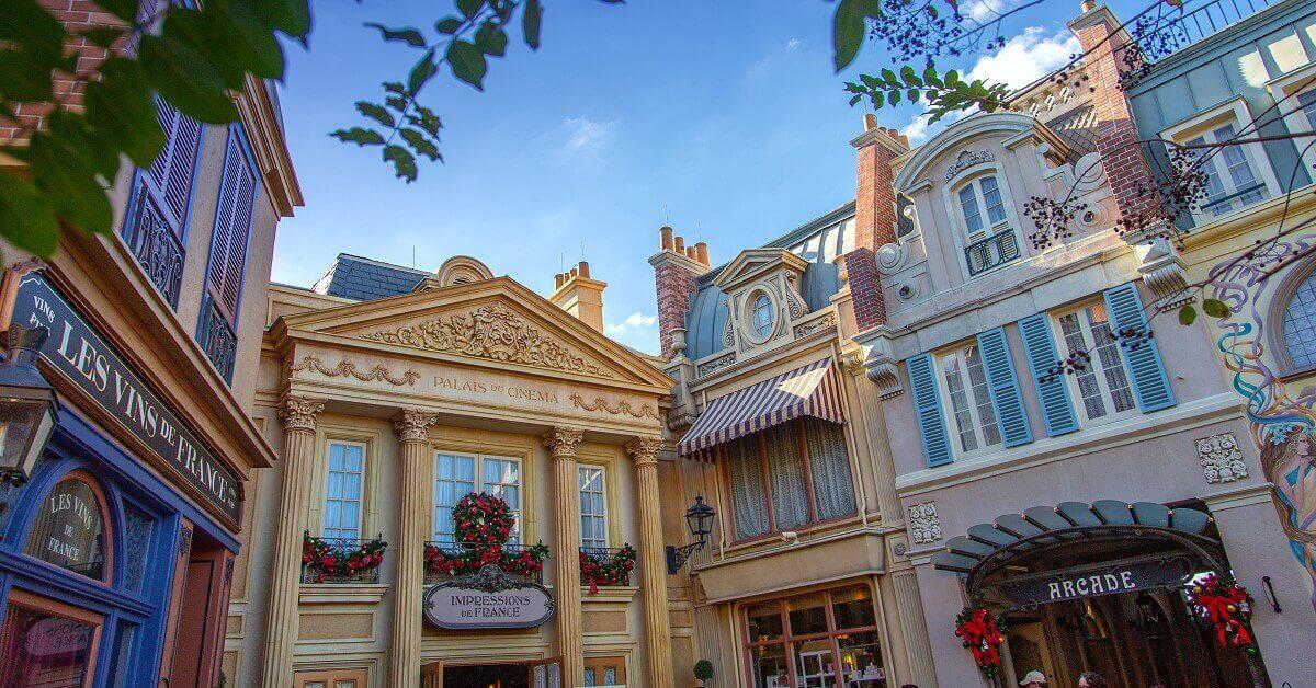 Blick auf Fassaden des französischen Pavillons in Epcot in Walt Disney World