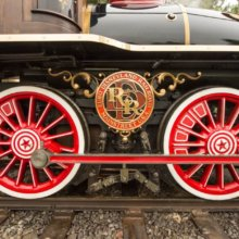 Bunt verzierte Räder an der Disneyland Railroad Eureka