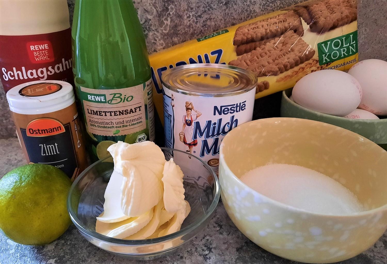 Schlagsahne, Vollkornbutterkekse, Limettensaft und weitere Zutaten für den Key Lime Pie wie in Olivia's Café in Disney's Old Key West Resort