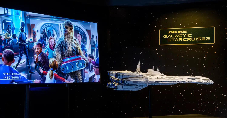 Modell eines Star Wars Raumschiffs mit dem Namen Halcyon