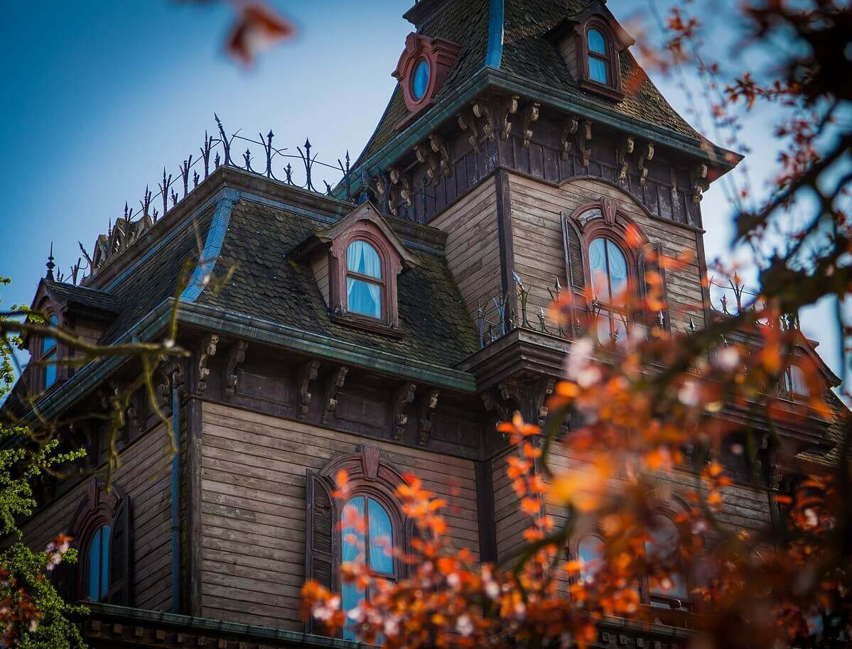 Phantom Manor with leaves in the front