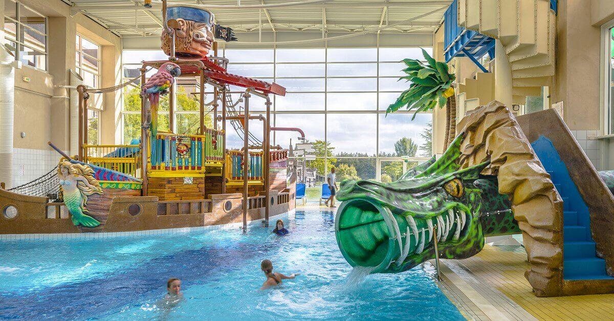 Offizielle partner hotels des disneyland paris - Explorer hotel paris swimming pool ...