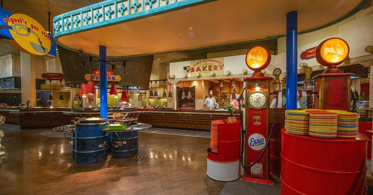 Overview of the buffet in the La Cantina restaurant in the Hotel Santa Fe, designed like a gas station on Route 66