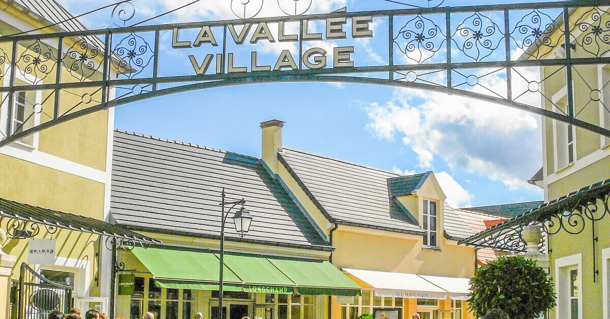 Entrance to the Factory Outlet La Vallée Village