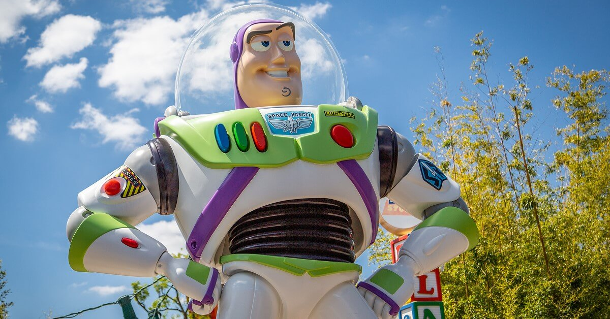 Buzz Lightyear am Eingang zum Toy Story Playland