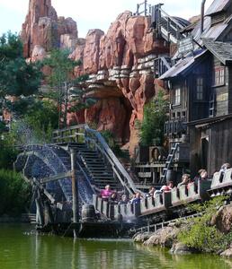 Achterbahn im Disneyland