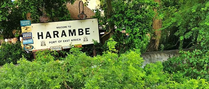 Africa im Animal Kingdom, Eingangsschild zu Harambe