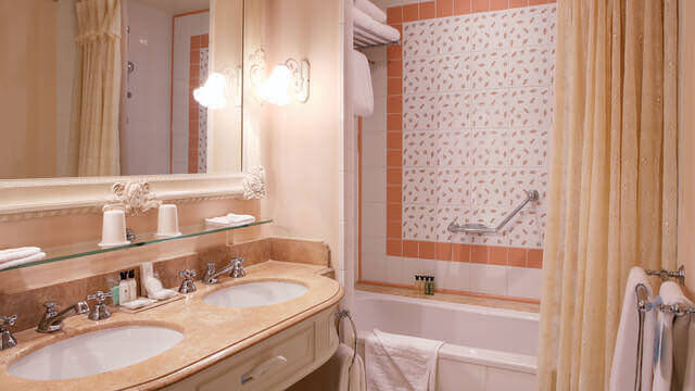 Badezimmer im Disneyland Hotel
