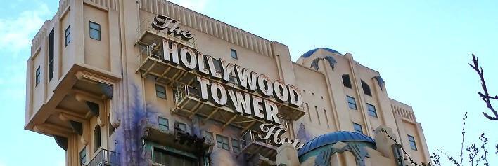 Bild des Hollywood Tower Hotel Schriftzuges beim Tower of Terror