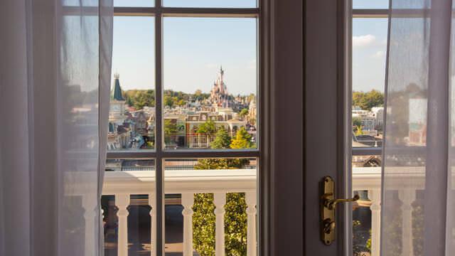 Blick auf den Disneyland Park aus dem Castle Club