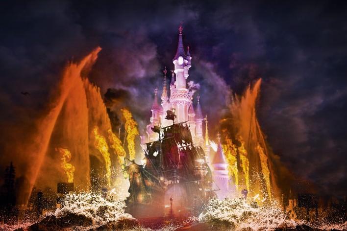 Disney illuminations mit Pirates of the Caribbean