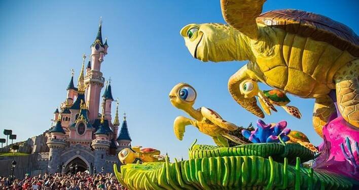 Disneyland Paris: Disney Stars on Parade