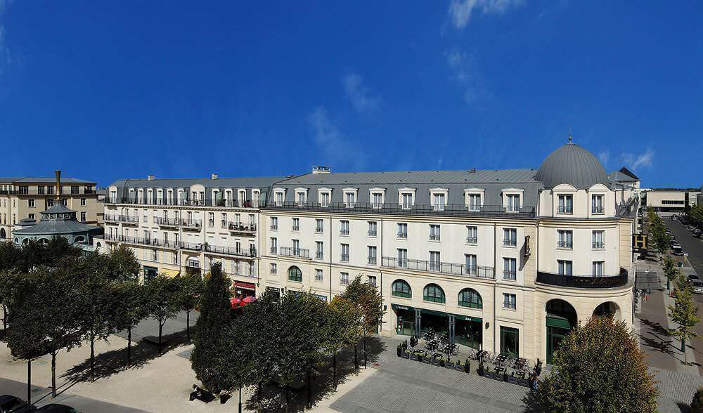 hotel l 39 elys e val d 39 europe beim disneyland paris. Black Bedroom Furniture Sets. Home Design Ideas