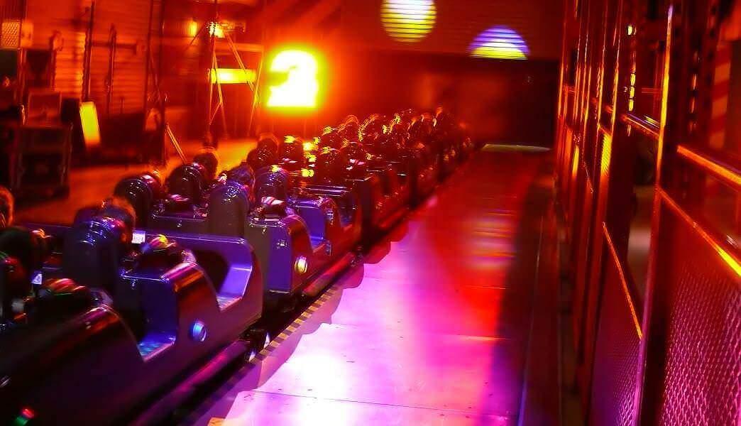 Launch des Rock'n'Roller Coaster with Aerosmith in den Walt Disney Studios