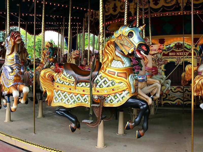 Le Carrousel De Lancelot Im Disneyland Paris