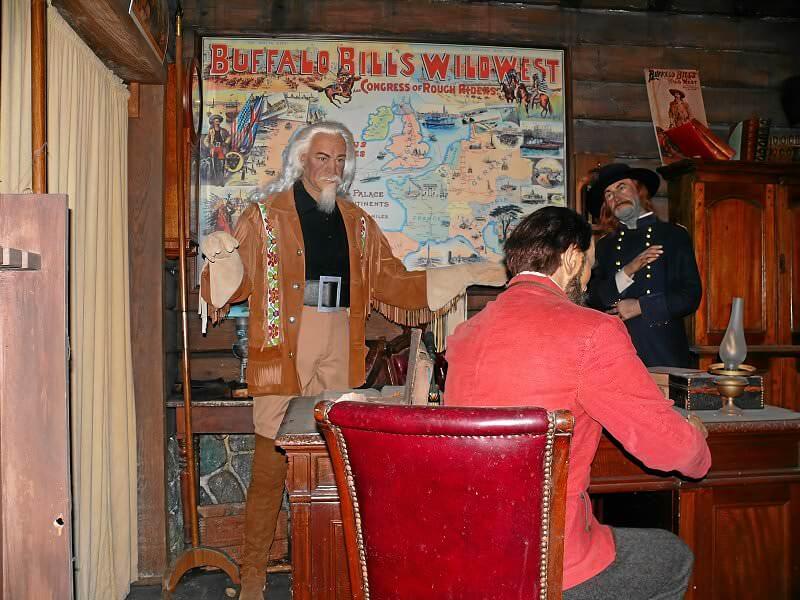 Legends Village West Restaurants