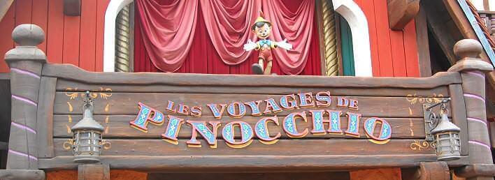 Les Voyages de Pinocchio - Eingangsschild