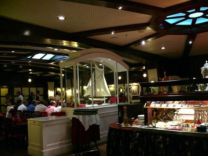 Yacht Club Restaurant Im Disneyland Paris