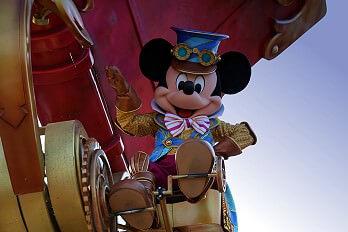 Parade im Disneyland Paris: Disney Stars on Parade