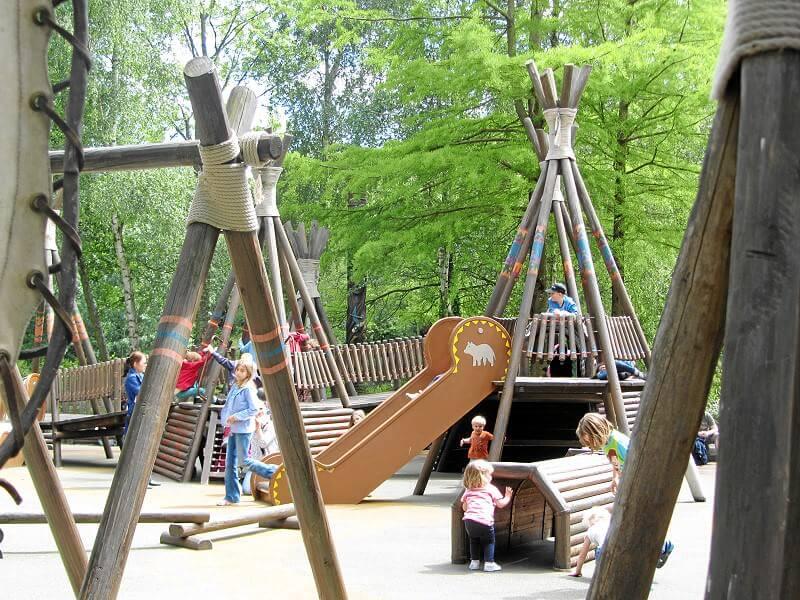 Spielplatz Pocahontas Indian Village Im Disneyland Paris