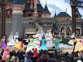 Royal Christmas Whises Weihnachtsshow mit Disney Prinzessinnen