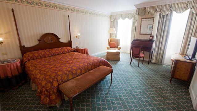 Schlafzimmer der Tinkerbell-Suite im Disneyland Hotel