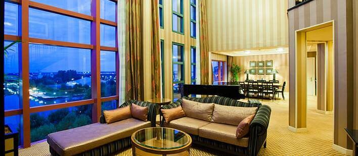 Seeblick im Empire State Club aus der Roosevelt-Suite