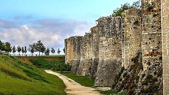 Stadtmauer von Provins