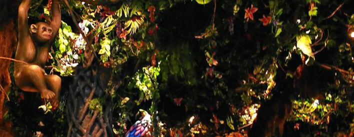 Urwald-Kulisse im Rainforest Cafe